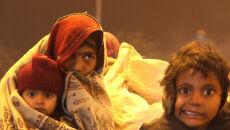 Mróz i mgły dręczą Indie i Nepal