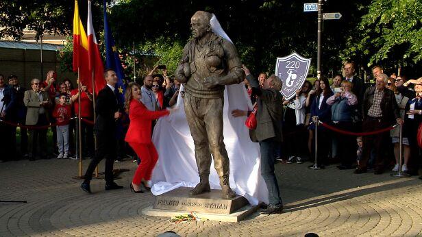 Pomnik Papy Stamma TVN24