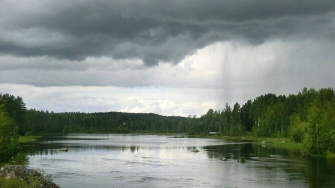 Prognoza pogody na dziś: niebo spowiją chmury. Miejscami spadnie deszcz